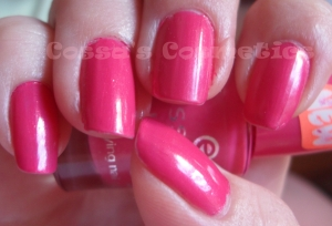 NOTD nails nail polish essence i want that pink